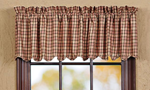 Homestead Valance Scalloped Lined