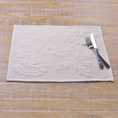 Carly White Quilted Placemat Set 12x18
